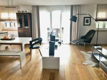 Stilvolle, geräumige und neuwertige 2-Zimmer-Wohnung in Berg-Weiler