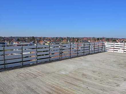 Beeindruckende Penthouse-Wohnung mit Dachterrasse, Einbauküche und Ausblick über die Stadt Oldenburg