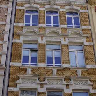 Schicke kernsanierte 3-Zimmer-Maisonettewohnung im Herzen der Kölner Südstadt an der Severinstorburg