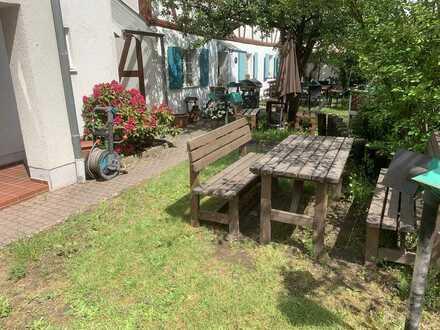 Idyllisch wohnen im Herzen von Heusenstamm mit Gartenanteil!