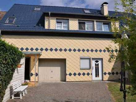 Wohnen und arbeiten unter einem Dach - 1-Fam.-Haus in Toplage Linkenheim-Hochstetten