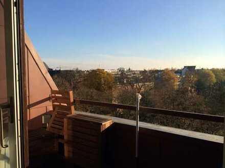 Helle Dachgeschosswohnung mit Süd Balkon, HH Ottensen