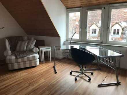 Neu möblierte 1,5-Zimmer-DG-Wohnung mit EBK in Rottweil Stadtmitte