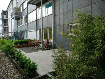 Singles, Paare, Golden Age: großz. 80 m² Wohnung zentral Unterbilk - Terrasse, Aufzug, Hausdienste