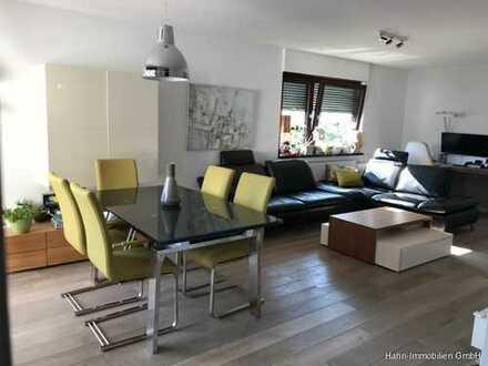 *Top*Modernisierte 3 Zi.-Wohnung in attraktiver Wohnlage - gehobene Ausstattung und schöne Aussicht!
