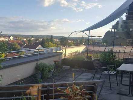 Gut gelegene 2-Zimmer-DG-Wohnung mit traumhafter Dachterrasse in Korntal