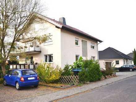 * HTR Immobilien GmbH* Sonnige 4-5 Zi.-Whg. im EG, Garage, Südwestlage, Garten, 107,4 m² Wfl., 3 WE!