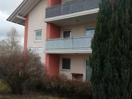 Gepflegte 4-Zimmer-Wohnung mit Terrasse in Massing