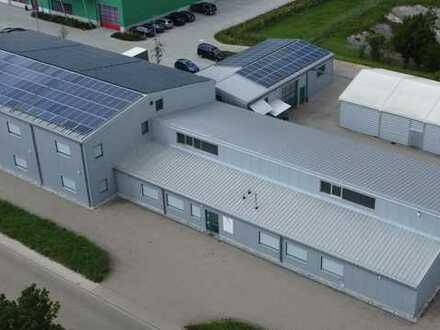 vollständiges Betriebsgelände mit großzügigen Büroflächen, Produktions- und Lagerhallen