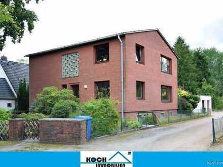 Solides Zweifamilienhaus in ruhiger und zentraler Lage von Tostedt
