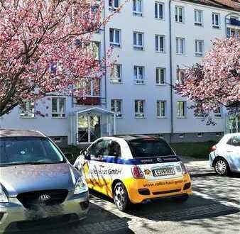 *** Toller Grundriss 3-Raum Wohnung mit Balkon und PKW Stellplatz***