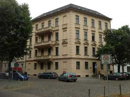4 Zimmer Altbauwohnung mit zwei Balkonen - Dortustr. 74 -