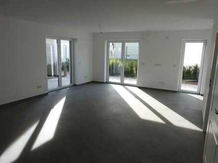Großzügige Neubau-Erdgeschosswohnung mit Garten südlich von Ingolstadt
