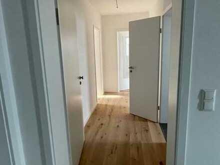 Schöne 3 Zimmer Wohnung mit Terrasse zu vermieten