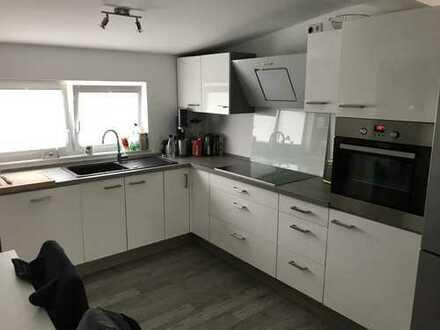 Schöne, helle und geräumige zwei Zimmer Wohnung in Friesland (Kreis), Sande