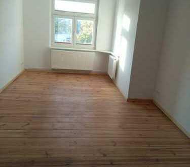 Schicke 4-Zimmer-Wohnung zu vermieten - Erstbezug nach Sanierung !!!