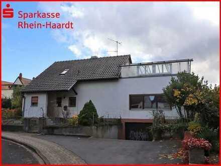 Einfamilienhaus in begehrter Lage mit Nebengebäude