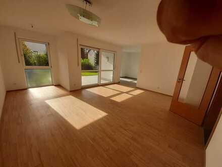 Freundliche 3-Zimmer-EG-Wohnung mit Balkon in Zusmarshausen
