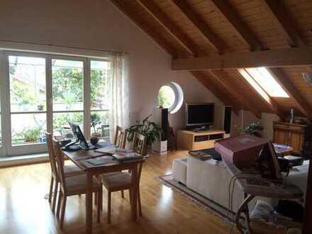 Schöne, ruhige 3-Zi DG Wohnung im Zentrum Holzkirchens