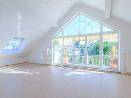 MÜNCHNER IG: Exklusive Dachgeschosswohnung in Villa mit über 4 Meter hohe Decken