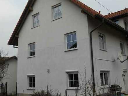 3 Zimmer-Wohnung mit Carport und Garten