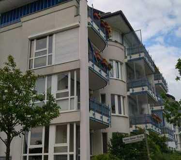 Ruhige, helle und schöne zwei Zimmer Wohnung in Bremen Arsten