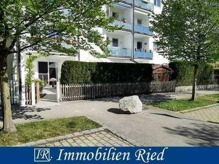 Großzügige und neuwertige 4-Zi-EG-Wohnung mit bis zu 3 Metern Höhe und riesiger Terrasse in Weilheim