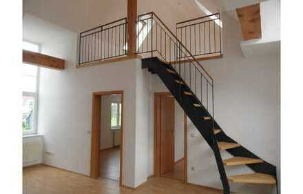 Schöne 3,5-Zimmer-Wohnung mit Studio (Maisonette-Art) in Burg
