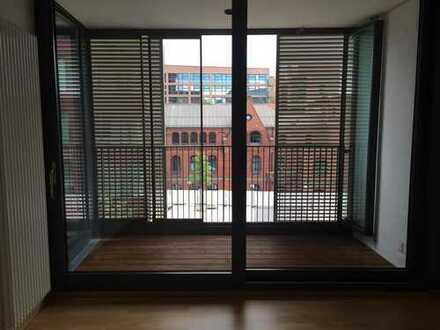 - Von PRIVAT - Schöne sonnige und geräumige zwei Zimmer Wohnung in Hamburg, HafenCity