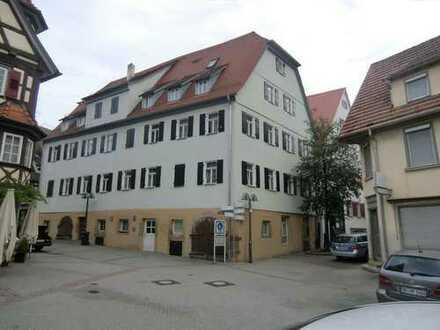 Schicke und großzüg. 4 Zimmer Maisonetten Wohnung mit Einbauküche , im Zentrum Herrenberg