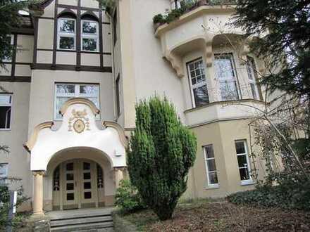 Komfortable Eigentumswohnung im Villenviertel von Nikolassee, dem begehrtesten Wohngebiet Berlins