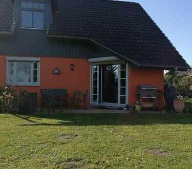Schönes Zimmer im großzügigen Einfamilienhaus mit Garten und guter Autobahn-/HVV-Anbindung