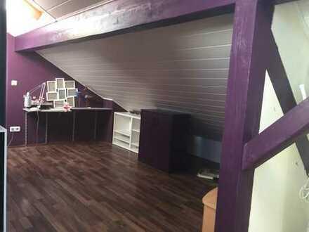 330 €, 40 m², 1,5 Zimmer