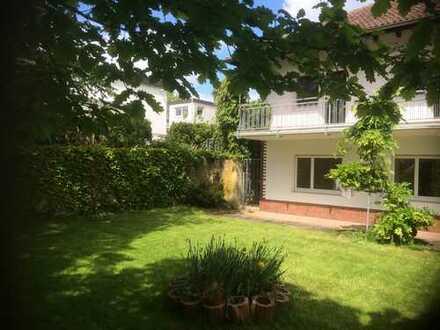 * Wohnen & arbeiten * Einfamilienhaus mit Einliegerwohnung/Büro in Niedernhausen!