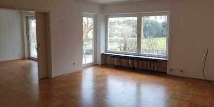 Modernisierte 4-Zimmer-EG-Wohnung mit grosser Terrasse im Westen von Regensburg