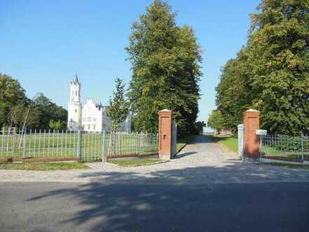 Wohnen im Dorf, gegenüber vom Park und sanierten Schloß in Kartlow!