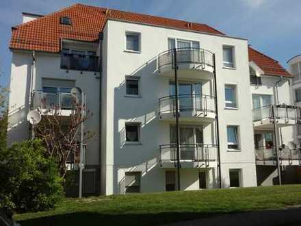 Schöne schicke 4-R-Wohnung im Erdgeschoß mit Balkon u. grosser Terrasse in zentraler Lage