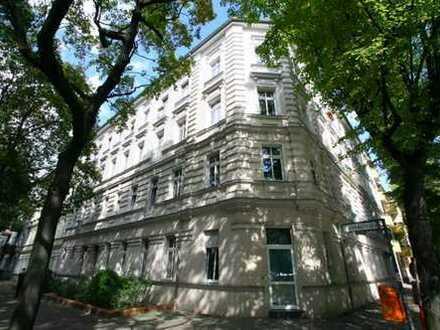 Helle, modernisierte und teilmöblierte 2-Zimmer-Wohnung im Florakiez, Berlin