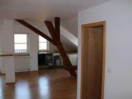 Großzügige helle 2-Zimmer-Wohnung