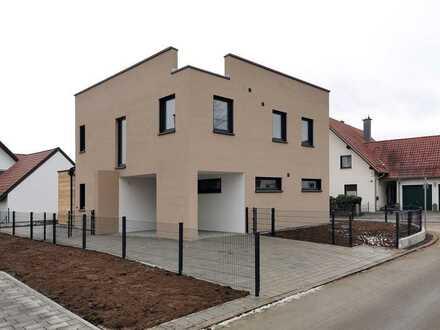 Top-modernes Einfamilienhaus mit Dachterrasse und Garten