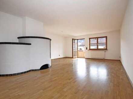 Helle 4-Zimmer-Wohnung mit großem Balkon in Füssen mit Bergblick - zentrumsnah