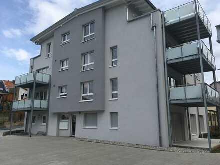 Neuwertige Wohnung mit zwei Zimmern und Balkon in Waldbronn