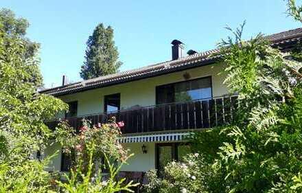 Renovierte 4-Zimmer-Wohnung mit Balkon in 3-Familienhaus in Icking