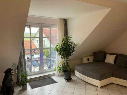 sehr schöne 2,5 Zimmer Maisonette-Wohnung mit Balkon