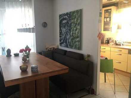 Ruhige gemütliche 3 Zimmerwohnung mit Balkon in kleiner Wohnanlage mit optimaler Lage