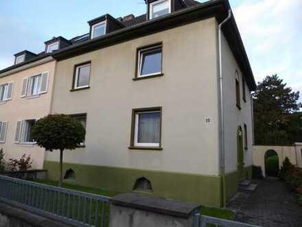 Erstbezug nach Kernsanierung: ansprechende 3-Zimmer-Wohnung mit Balkon in bester Lage