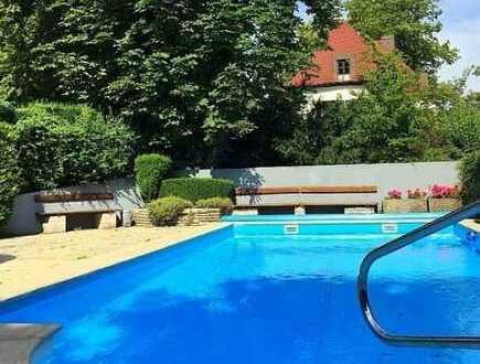 TOP Lage nahe Altstadt und City-Galerie mit Pool und Balkon, Blick ins Grüne