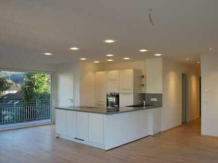 Exklusive 3,5-Zimmer-Penthouse-Wohnung, mit EBK und Ost- und West-Balkon in Lahr/Schwarzwald