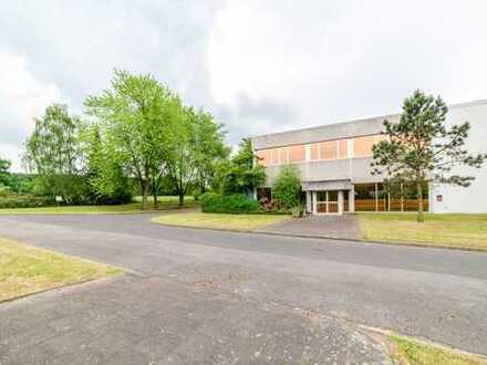 915 m²-1.830 m² Büros im Grünen | REVITALISIERUNG | Stellplätze | AK Breitscheid | Provisionsfrei