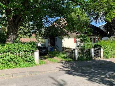 Im Herzen von Sonthofen, exklusives Baugrundstück mit einer Liebhaber-Villa!
